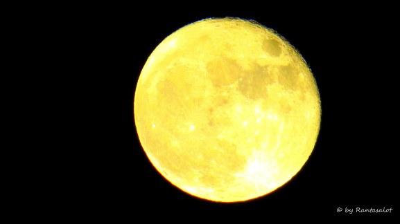 Kuu nakerrettu