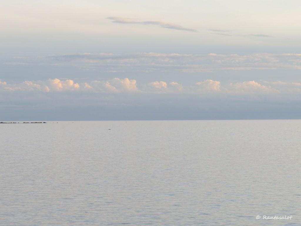 Meri ja pilvet