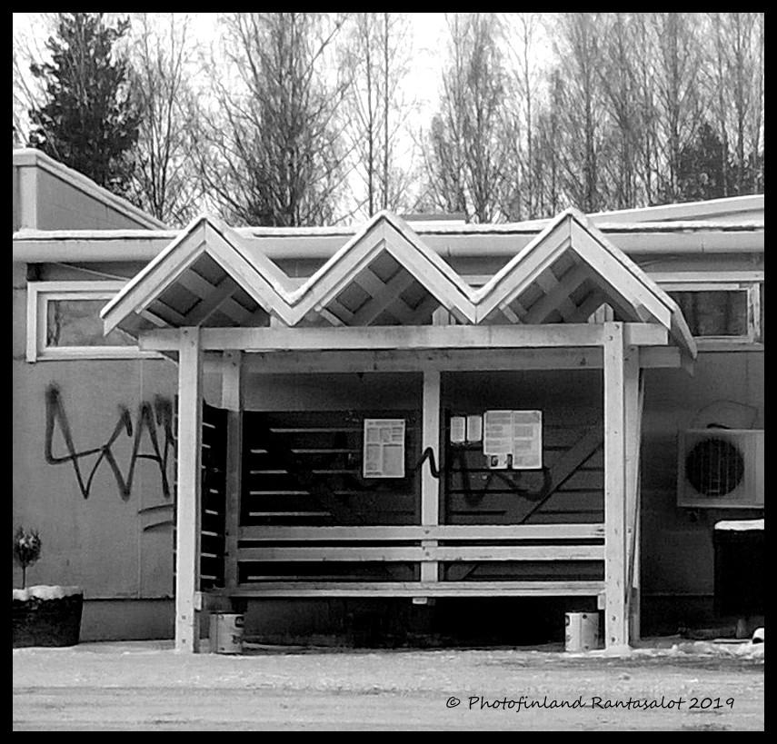 Bussipysäkki vanha Shell.jpg